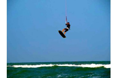 Three day kitesurfing beginner/intermediate (IKO certified)