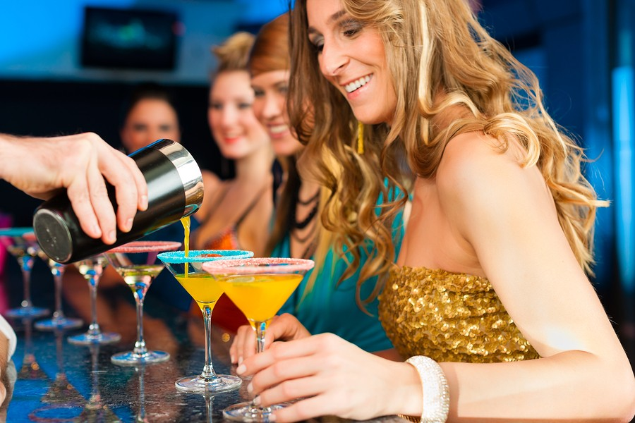 Standard Signature Cocktail Masterclass (8 drinks)